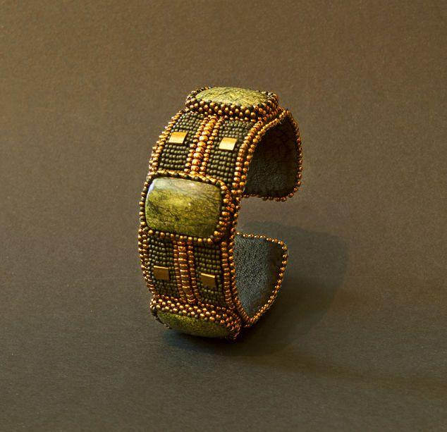Браслеты ручной работы. Ярмарка Мастеров - ручная работа Браслет со змеевиком в стиле минимал. Handmade.