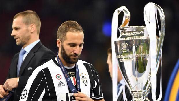 TUTTE LE FINALI PERSE DA HIGUAIN Dal record a Napoli alla disfatta di Cardiff: i dodici mesi di mister novanta milioni. #higuain #championsleague #juventus