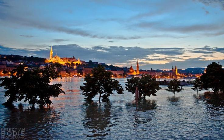 Budapest   Flood 2013. Photostream, 8. June 9. credit: Krisztian Bodis. Record High Flood is Coming, Pray for Budapest, Hungary! Follow Budapest   Flood 2013. Photostream on FB https://www.facebook.com/BudapestPocketGuide & on Google+ @ https://plus.google.com/b/115990222400409382986/115990222400409382986/posts #budapest #flood #danube