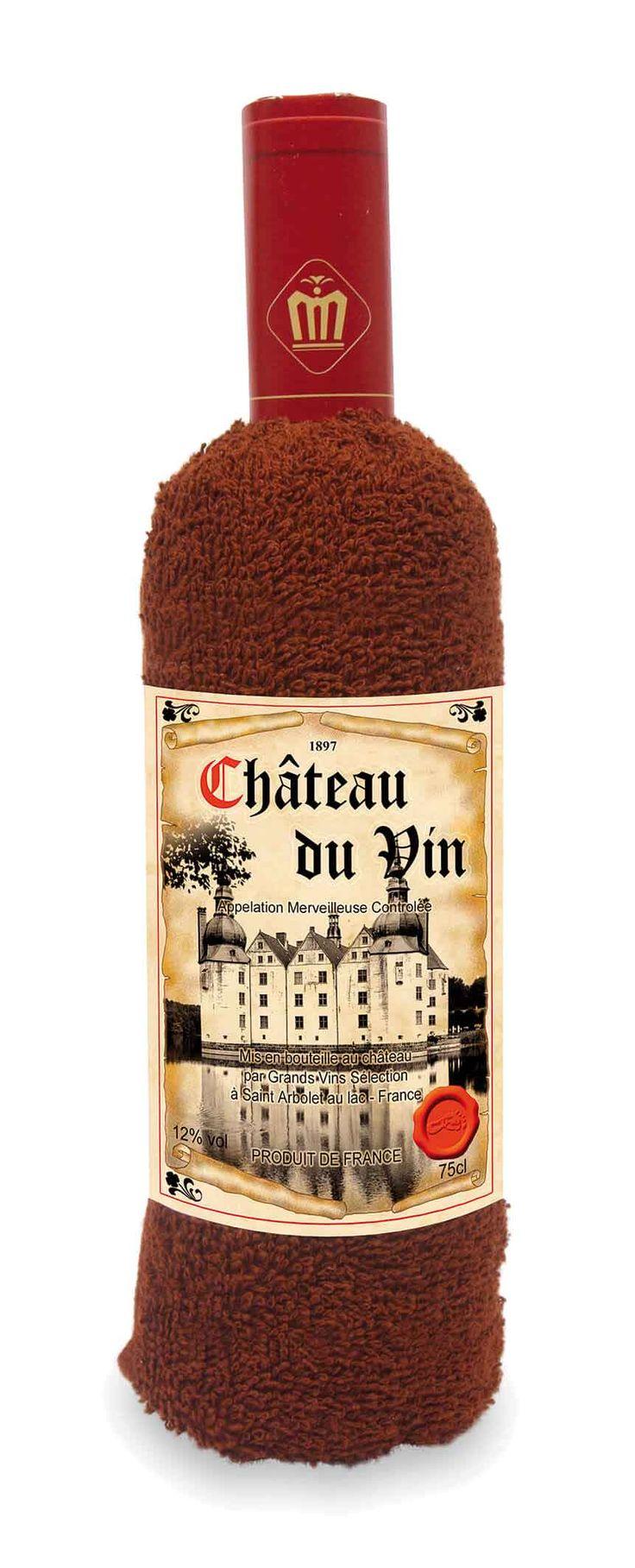 In het design van een edele rode wijn is het bijna jammer om deze zachte handdoek (ca. 75 x 30 cm) in de badkamer te gebruiken! Een leuk cadeau-idee in kartonnen doos met houtdesign en lint van natuurvezel.