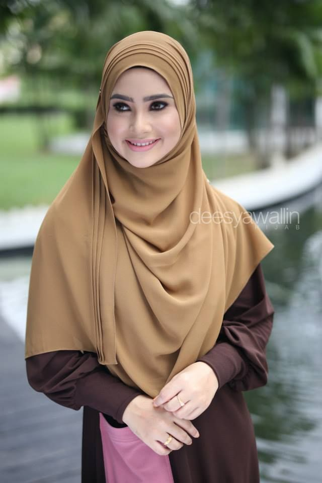 RUMAISA PLEATED SHAWL  CODE : DHRPS 001 MATERIAL : Georgette Chiffon  APPROX : 1.8 meter x 28 inchi   * Kindly PM us for purchase . tqvm