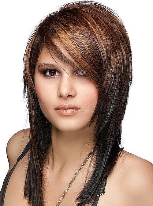 frizurák+hosszú+hajból+-+lépcsőzetesen+nyírt+hosszú+haj