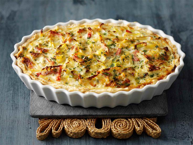 Arkinen Peruna-kinkkupiiras on mainio ateria vihreän salaatin kanssa tarjottuna. http://www.valio.fi/reseptit/peruna-kinkkupiiras/ #valioreseptit #leivonta