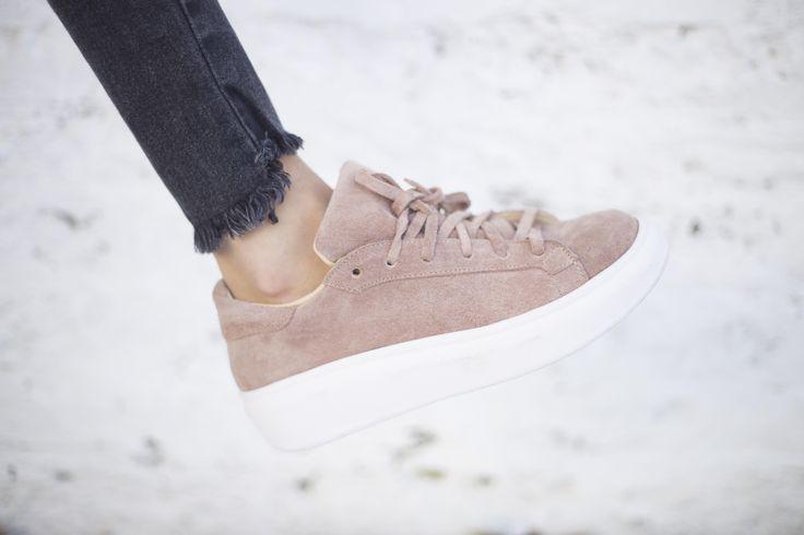 [ CHOFIS DEL DIA ] Mika  Gamuza Camel  #SoydeGrecia #Fashion #Shoes