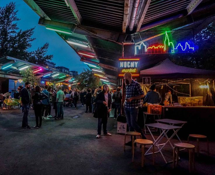 Pierwszy weekend bez Nocnego Marketu... Tęsknimy!!! #haveabitein #haveabitewarszawa #karmimytrescia #warszawa #warsawbynight #warsaw #nocnymarket #nightmarket #streetfoodlover #streetfood #foodie #foodtruck #nightlife #party #comfortfood