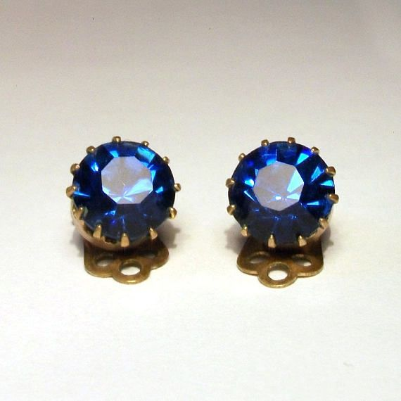 Sparkly Sapphire Blue Earrings 1950s Vintage Glass Rhinestone Gold Clip On Simple Large Studs