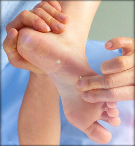 Esporão calcâneo causa dor intensa e deformidade no pé. Saiba como tratar #eu-atleta