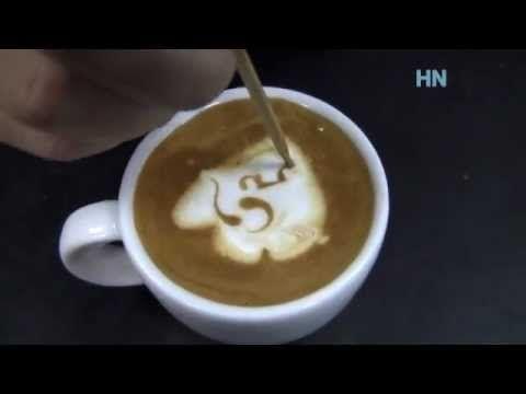 Jak se maluje do kávy? Podívejte se na základní techniky latté artu