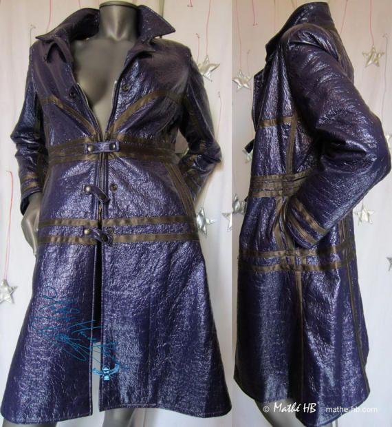 Regenmantel Seventies Retro Stil Violett ölstoff par MatheHBcouture
