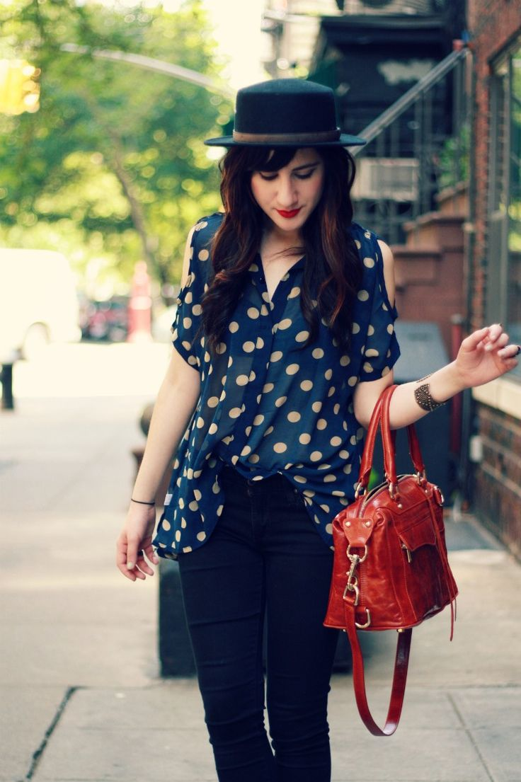 Flashes of Style: Snow White: Dots Style, Polka Dots, Vintage Fashion, Cute Outfits, Styles, Scarfs Hats, Closet, Fashion Etc, Outfits Styl