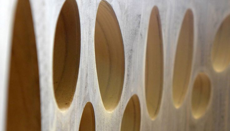 Curved dividing panel detail.