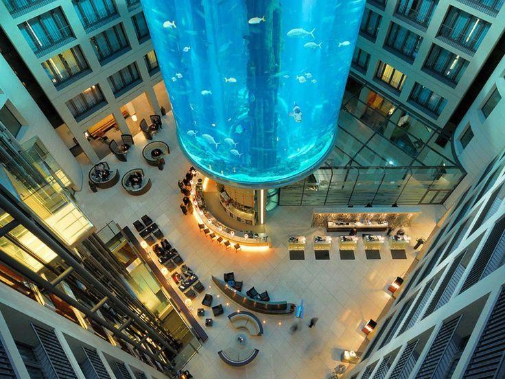 Radisson blu hotel berlin y su sorprendente aquadom
