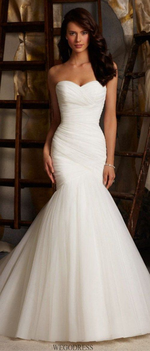 simple mermaid wedding dress / http://www.himisspuff.com/mermaid-wedding-dresses/9/