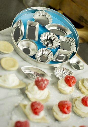 Fox Run Craftsmen 36pc Tinplated Steel (Silver) Mini Tartlet Set Bakeware w/ Storage Tin