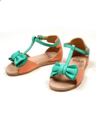 Zachtroze sandaaltjes met muntgroene strik - Maa - Kinderkleding online - Pepatino.be - Webwinkel voor kleine kleertjes - Aalst