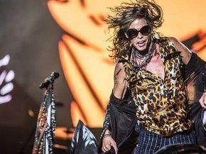 Steven Tyler, vocalista do Aerosmith, no 2º dia do festival Monsters of Rock, em SP. (Foto: Raul Zito/G1)