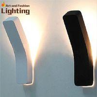 Простой черный и белый прихожей коридора туалет из светодиодов лампы