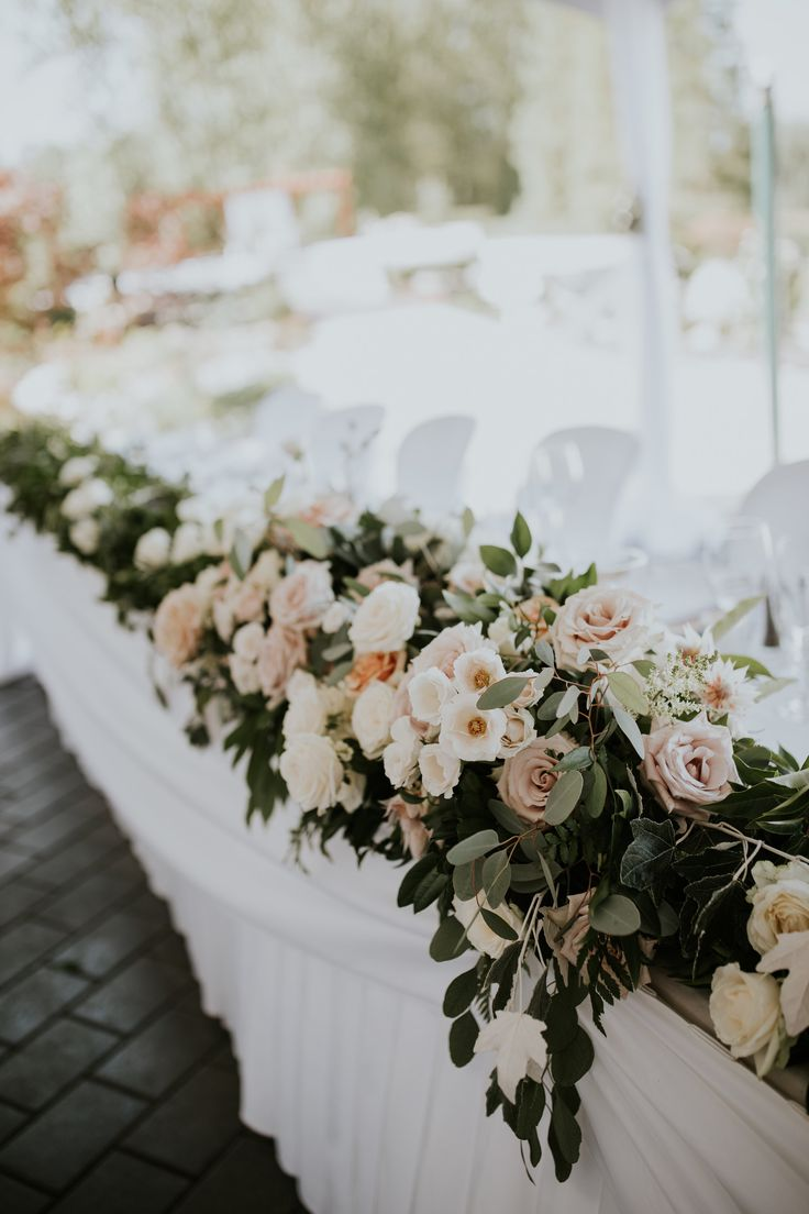 Head Table Florals by Floralista {BLUSH Photography} #RedwoodsWeddings #wedding #outdoorwedding  #weddingceremony #langleywedding #langleyweddingvenue #weddingvenue #vancouverwedding #vancouverweddingvenue #fraservalleywedding #fraservalleyweddingvenue #bcwedding #bcweddingvenue #theknot #pnwwedding #bcoutdoorwedding #outdoorbcwedding #outdoorweddingvenue #outdoorweddingbc #weddingflowers #weddingflorals #bouquet #weddingbouquet #bridalbouquet #bride