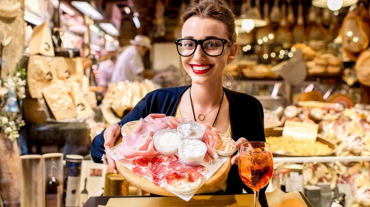 L'aperitivo a Bologna, città di universitari e divertimento, è un must, ma per non perdersi tra le tante proposte bisogna conoscere gli indirizzi giusti
