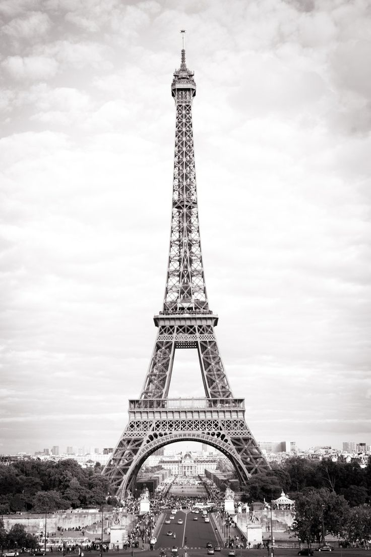 Paris Fine Art Black and White Photograph The Eiffel Tower from Trocadero The classic view in classic black and white (frame not included). This listing is for a borderless, fine art photographic print, printed on beautiful premium quality archival lustre finish photographic paper with long lasting inks, unframed and unmatted. This image is copyrighted under US and International copyright law to David C. Phillips and may not be used without express permission.