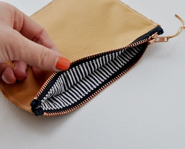 DIY Tutorial Ledertäschchen // Small leather bag
