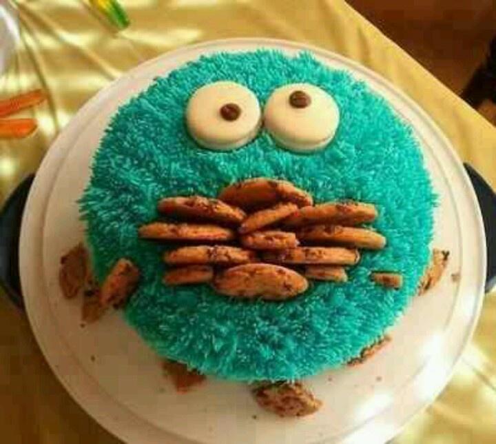 Cookie Monster! 18th Birthday cake? Haha:)