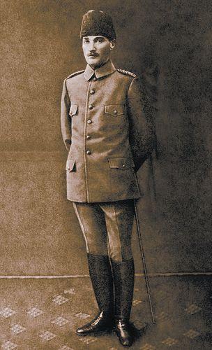 Ertugrulincel tarafından | Mustafa Kemal Atatürk'ün Basında Yayımlanan ilk Fotoğrafçılık