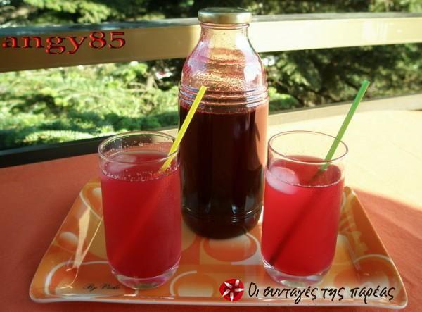 Βυσσινάδα - cherry cordial