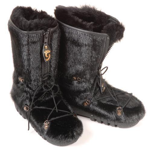 Magnifiques bottes d'hiver pour femmes en #fourrure de loup marin noir / Incredible #warm #winter boots for women in seal black #fur #madeincanada