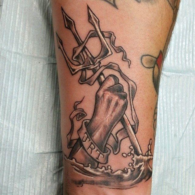 trident triton poseidon neptune aegir nautical sea tattoo dem tatts pinterest. Black Bedroom Furniture Sets. Home Design Ideas