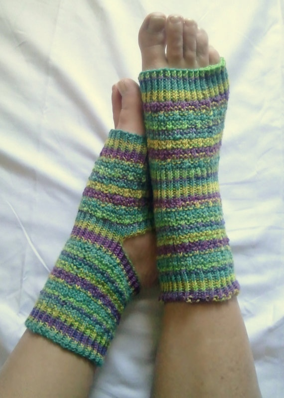 Free Crochet Pattern Toeless Socks : 1000+ ideas about Pedicure Socks on Pinterest Flip flop ...