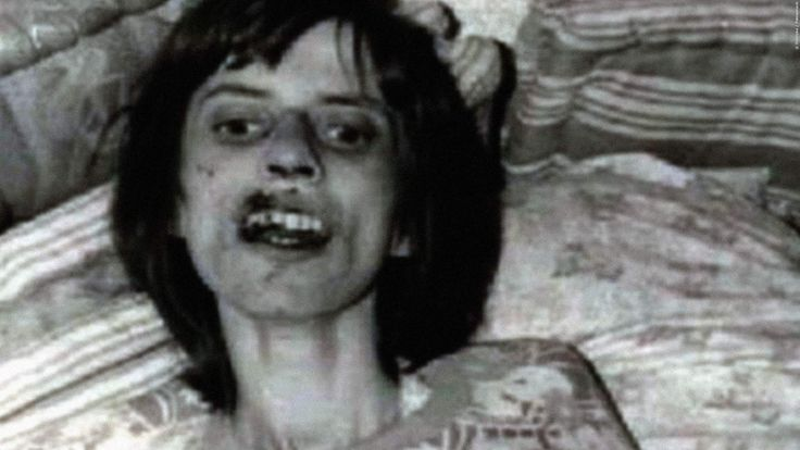 DER EXORZIST: Diese deutsche Studentin soll Vorlage gewesen sein!  Der Horror-Klassiker soll auf echten Ereignissen basieren. Eine Theorie besagt, dass eine deutsche Studentin als Vorlage für die Teufelsaustreibung im Kino diente. Der Exorzist: Die wahre Geschichte der Anneliese Michel >>> https://www.film.tv/go/36439-pi  #DerExorzist #Exorzismus #AnnelieseMichel
