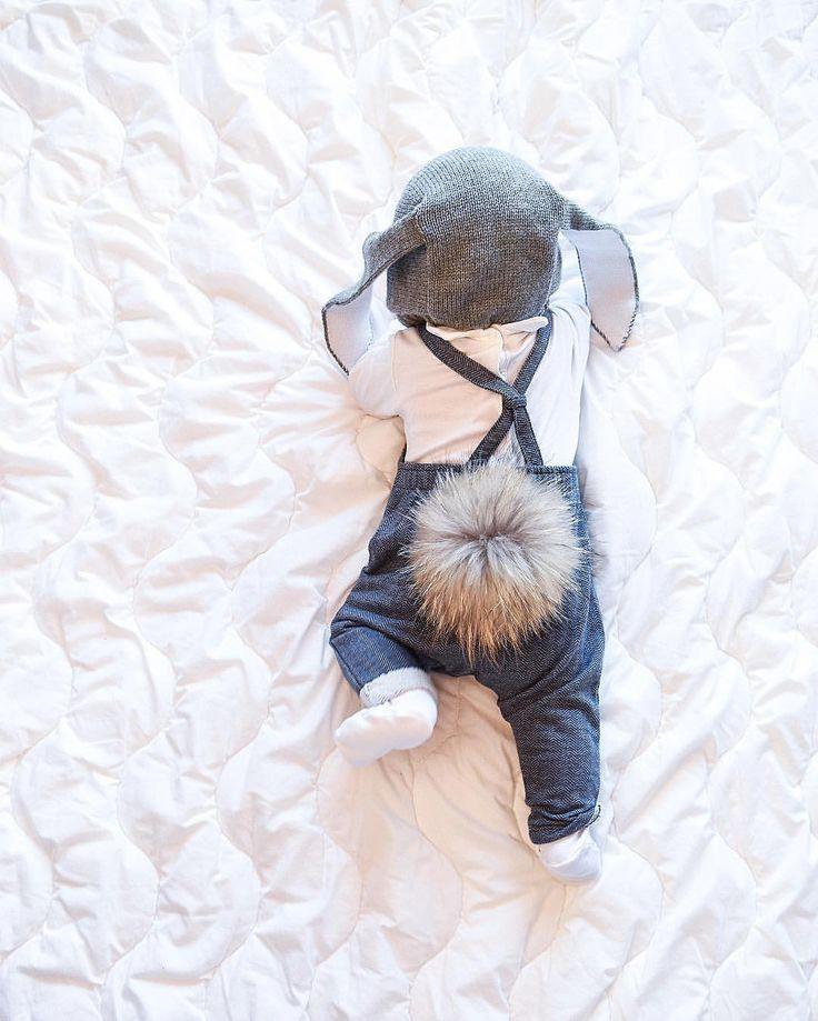 @lisaabefelt  #mylittlerabbit ❤️ Hoppas ni har en mysig kväll här spelar några uno & resten bastar... På bloggen finns en lång bebisupdate & mina bästa #sovtips  För både små & stora barn
