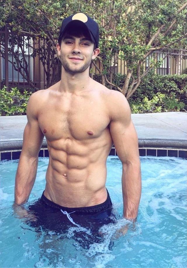 Pin by Duano85 on hot, young men   Hot guys, Shirtless men, Good looking men