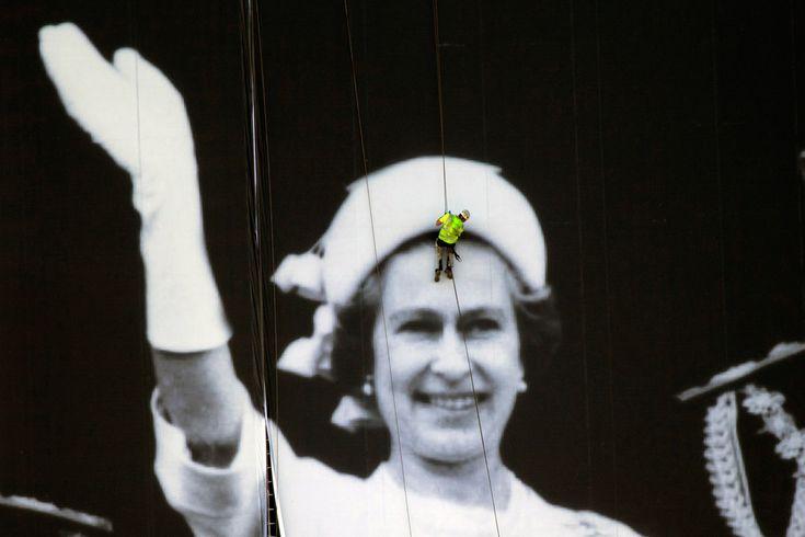 Elizabeth II y el trabajador