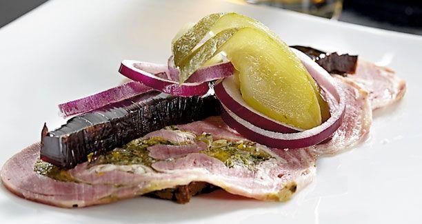 Opskrift: Der er intet som en klassisk frokostmad med rulledreng, og Ida Davidsens lammerullepølse er ingen undtagelse