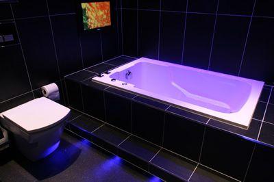 46 Best Bathroom Images On Pinterest Bathtubs Soaking