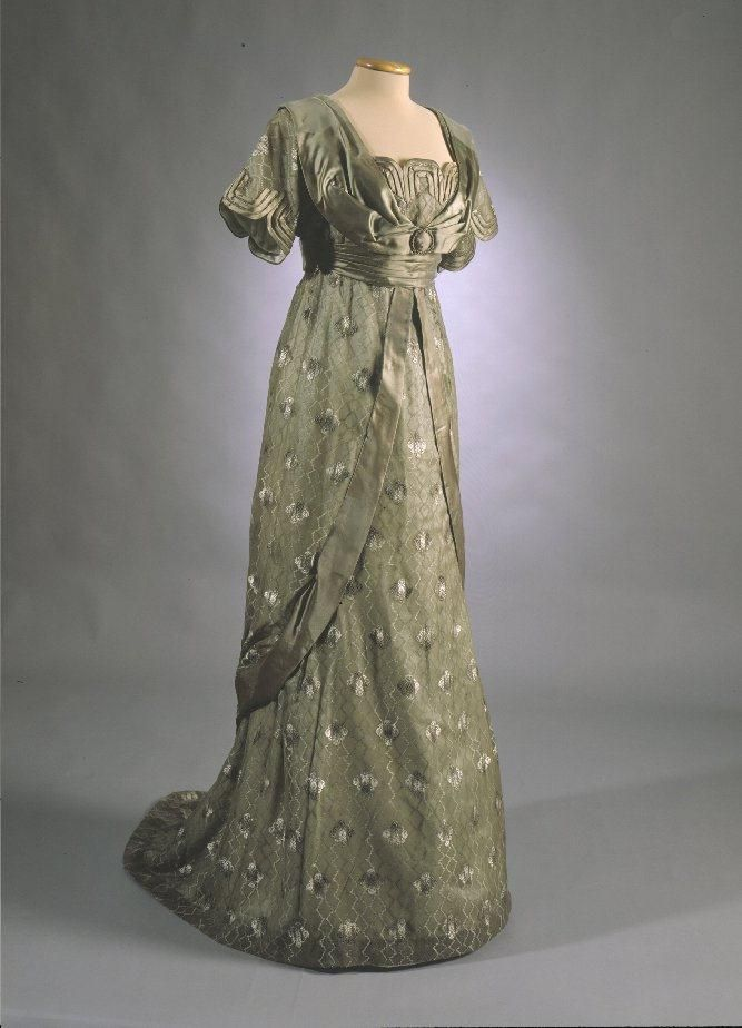 Evening dress, 1912, From the Museovirasto