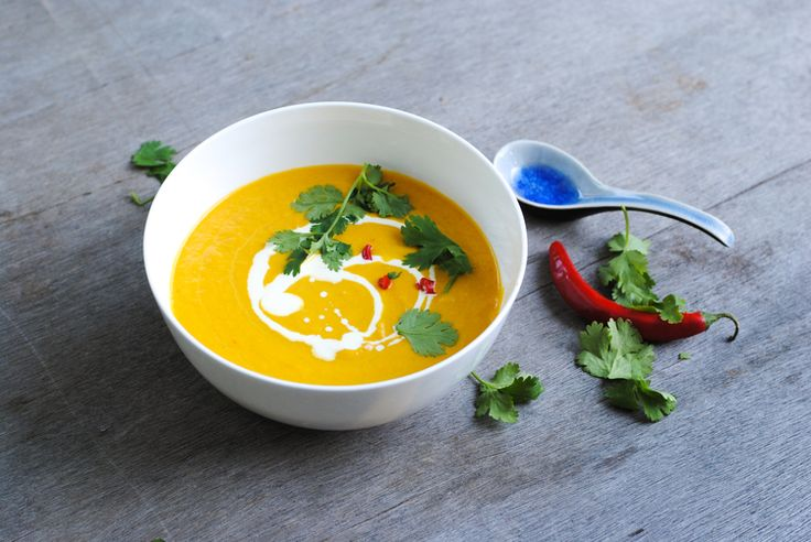 CREAMY, COCONUTTY THAI CARROT SOUP - GEORGEATS