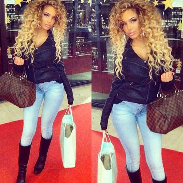 Cute Outfit Love The Big Curly Hair My Style