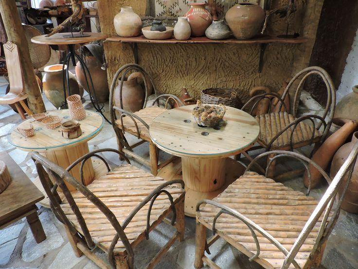Móveis de madeira do café