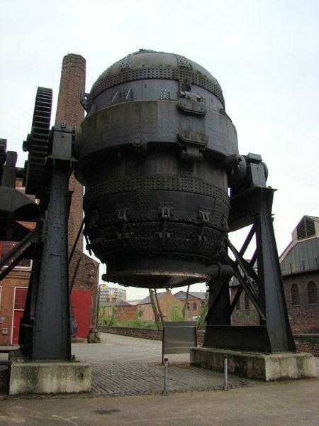 henry-bessemer-steel-production. Shefeild