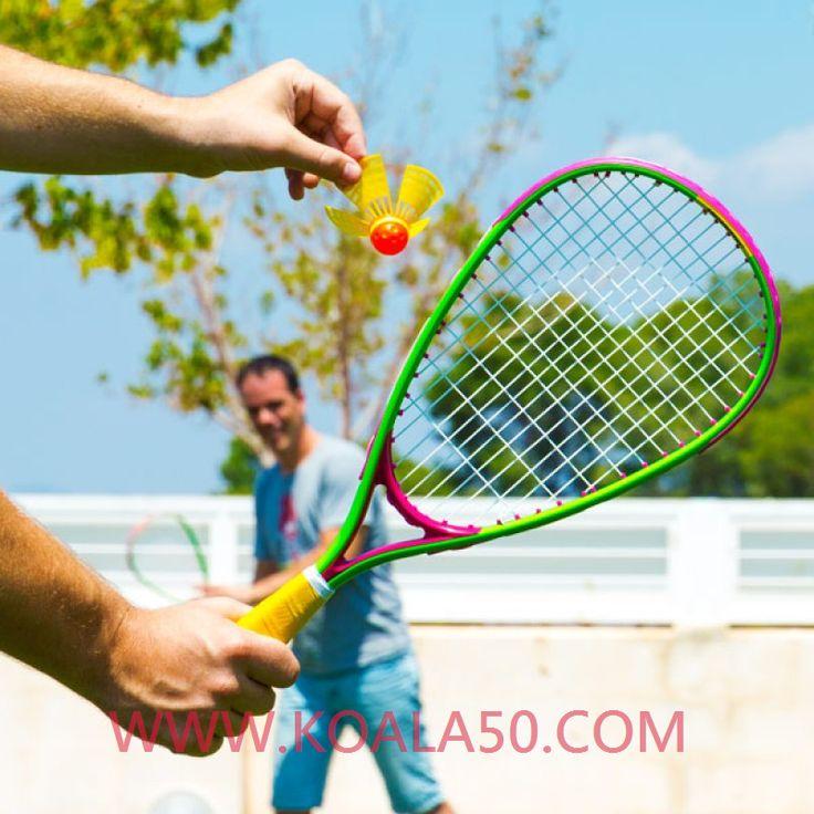 Juego de Bádminton (6 piezas) - 20,11 €  Si quieres practicar con tu familia un deporte original y divertido, no te pierdas eljuego de bádminton (6 piezas).Conocido también como speed badminton o blackminton, este divertido juego es...  http://www.koala50.com/regalos-para-ninos/juego-de-badminton-6-piezas