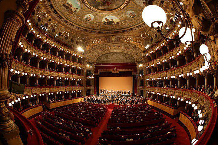 """Interni del teatro massimo """"Bellini"""". Catania Sicilia"""