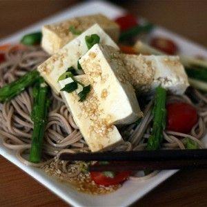 Гречневая лапша с томатами, тофу и базиликом рецепт – китайская кухня, вегетарианская еда: основные блюда. «Афиша-Еда»