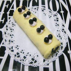 「* ブルーベリーのminiロールケーキ♪」cherry♪ | お菓子・パンのレシピや作り方【corecle*コレクル】