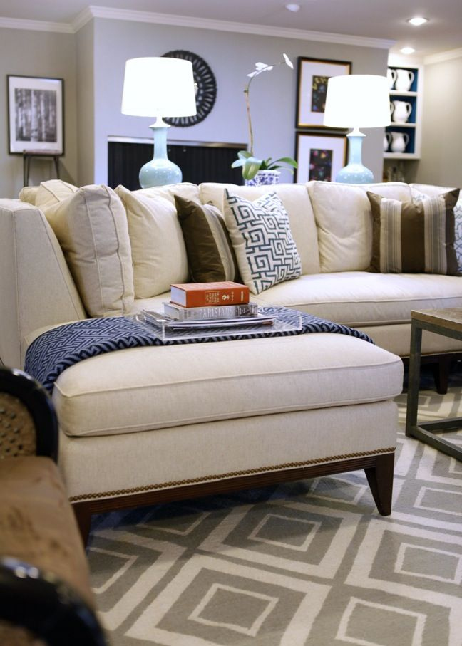 love the lucite tray, blanket, pillows, lamps.