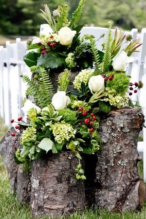 Green-and-White-Rustic-Wedding-Florals