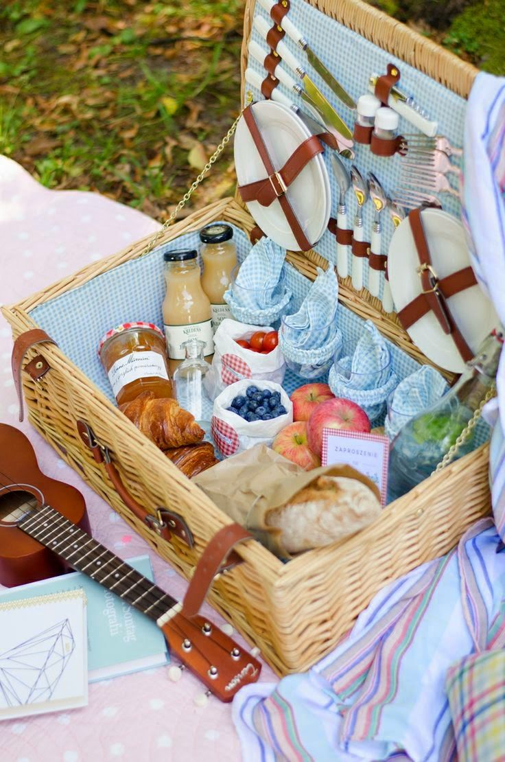 Una canasta para el picnic muy completa