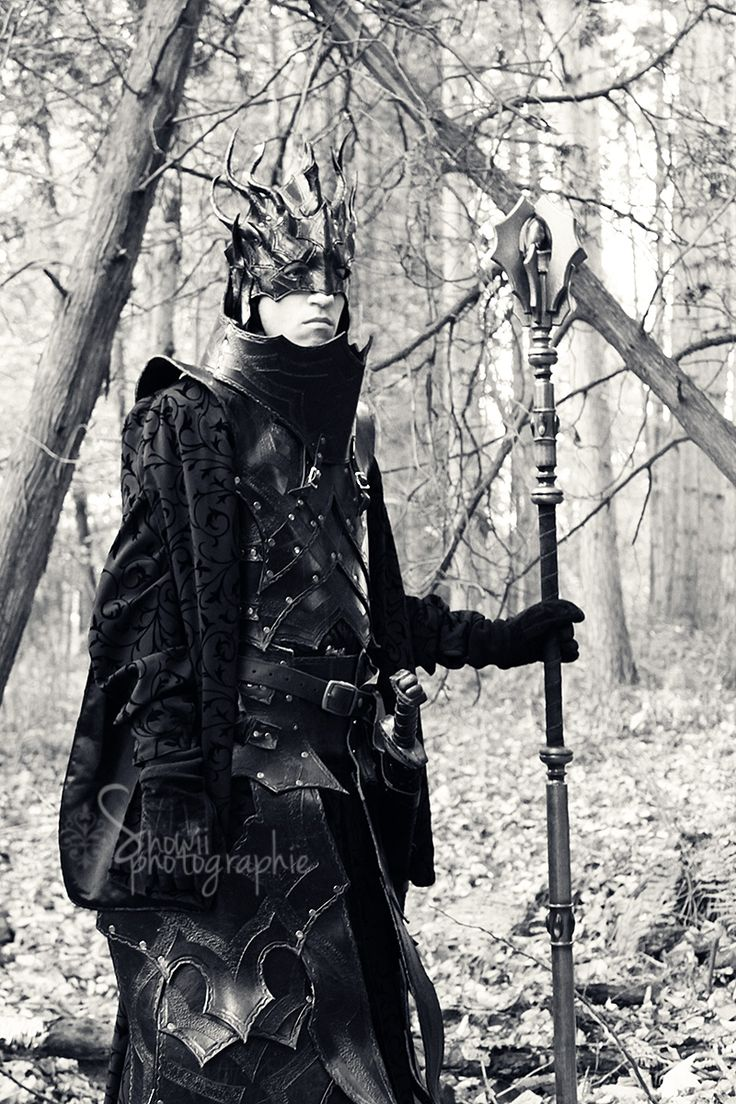 Dark mage armor by Feral-Workshop.deviantart.com awesome armor.